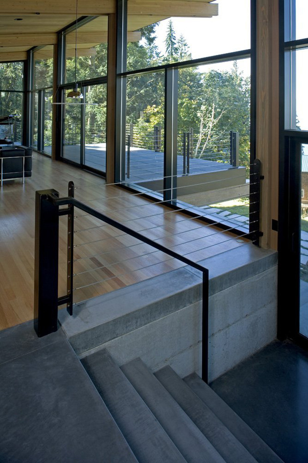 wood-and-glass-cabin-home-brings-luxury-to-nature-9.jpg