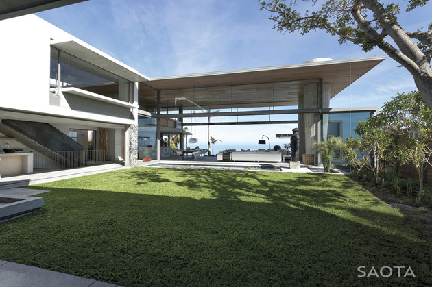 coastal home with movable walls and open interiors 1 thumb 630x419 11749 Luxury Oceanfront Escape with private courtyard