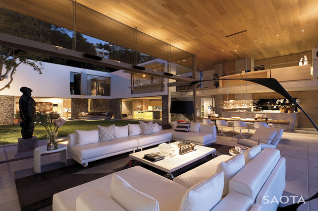 coastal-home-with-movable-walls-and-open-interiors-13.jpg