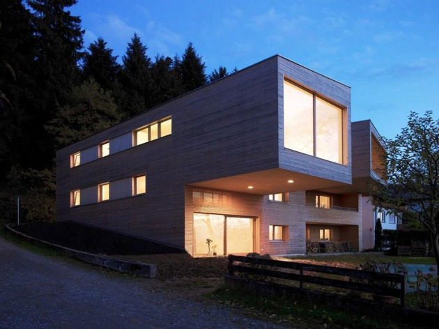 sculptural wood house with stacked additions for three families 2 thumb 630x472 11725 Stacked House with additions for three families