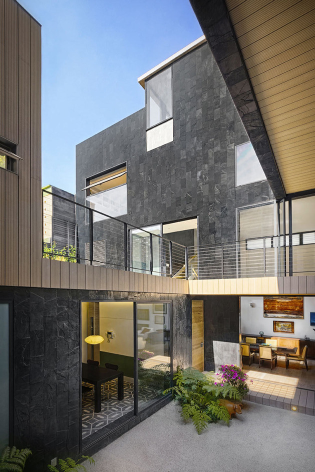sustainable-house-with-green-wall-and-over-4000-plants-5.jpg