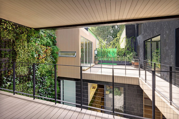 sustainable-house-with-green-wall-and-over-4000-plants-7.jpg
