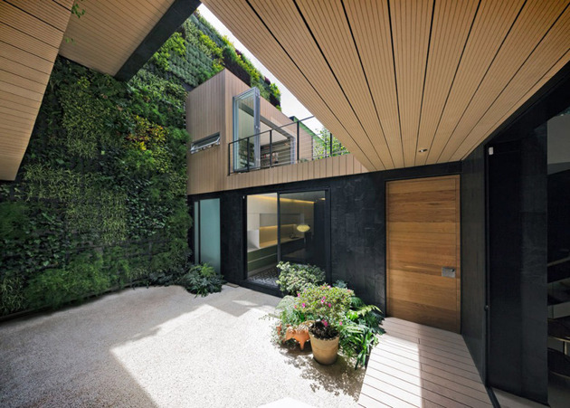 sustainable-house-with-green-wall-and-over-4000-plants-8.jpg