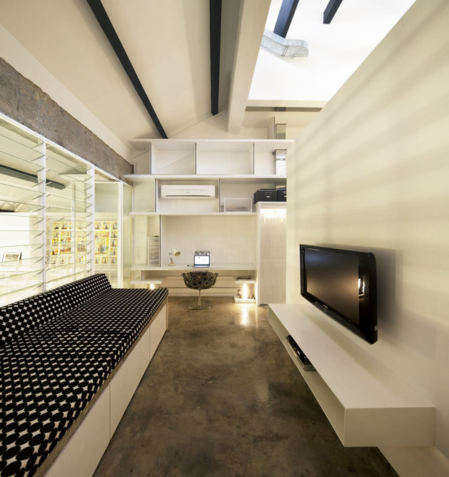 contemporary-loft-design-idea-showcases-original-industrial-elements-10.jpg