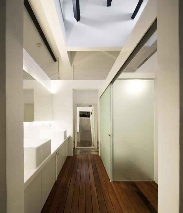 contemporary-loft-design-idea-showcases-original-industrial-elements-13.jpg