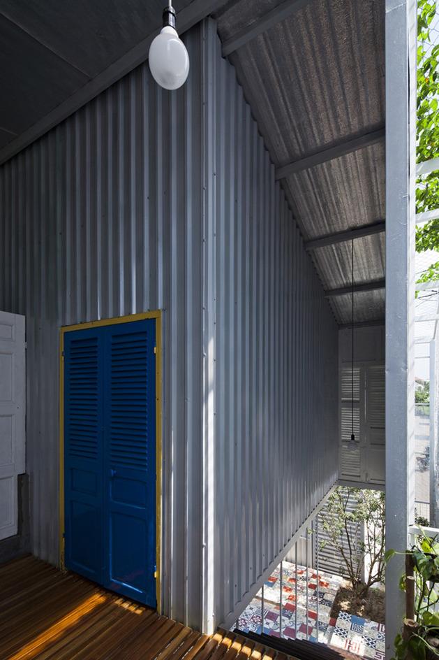 industrial-steel-stilt-house-with-open-main-level-12.jpg