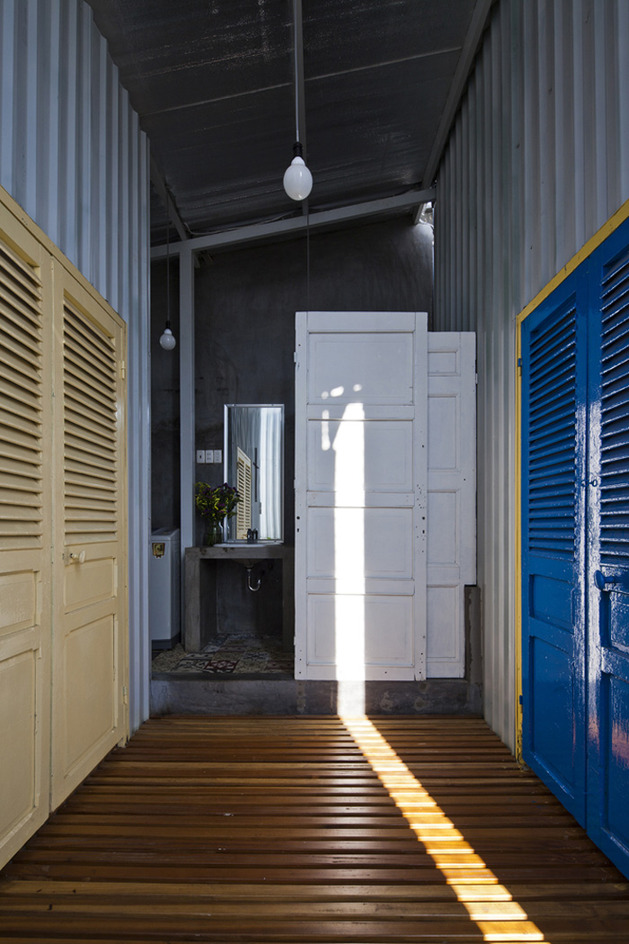 industrial-steel-stilt-house-with-open-main-level-13.jpg