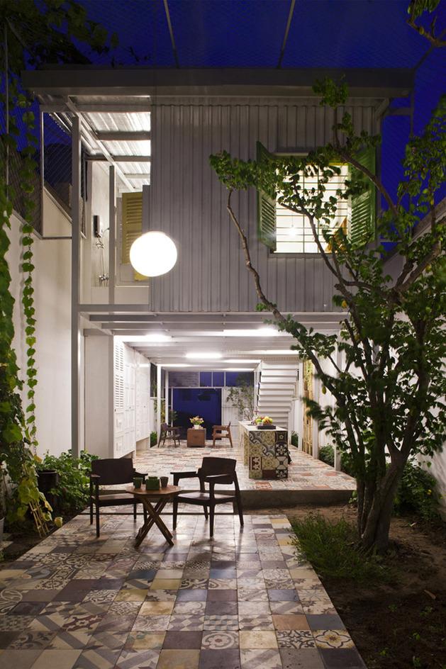 industrial-steel-stilt-house-with-open-main-level-17.jpg