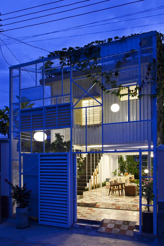 industrial-steel-stilt-house-with-open-main-level-19.jpg