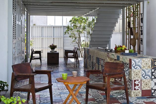 industrial-steel-stilt-house-with-open-main-level-8.jpg