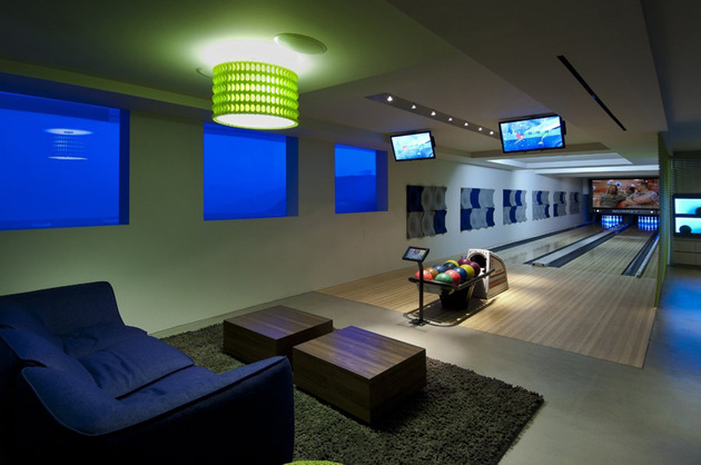 luxury-family-home-with-transparent-walls-and-bowling-alley-19.jpg
