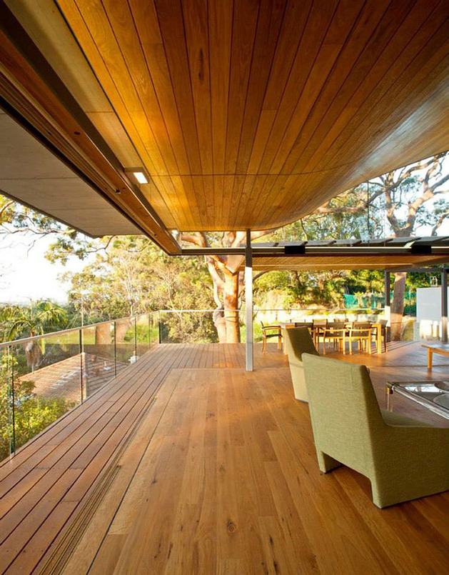 aussie-escarpment-house-with-angled-roof-and-wavy-ceiling-12.jpg