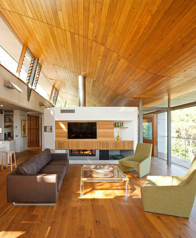 aussie-escarpment-house-with-angled-roof-and-wavy-ceiling-13.jpg