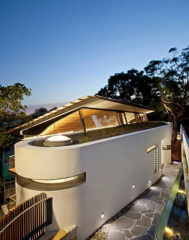 aussie escarpment house with angled roof and wavy ceiling 2 thumb 630x800 13266 Aussie escarpment house with angled roof and wavy ceiling