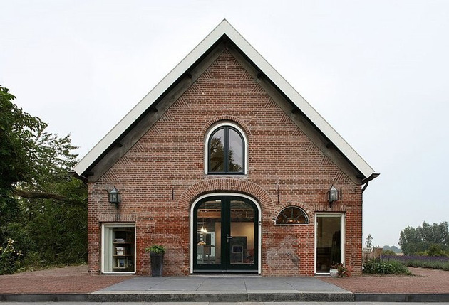 authentic netherlands barn renovated into rustic style farm house 1 thumb 630x429 13772 Authentic Netherlands barn renovated into rustic style farm house
