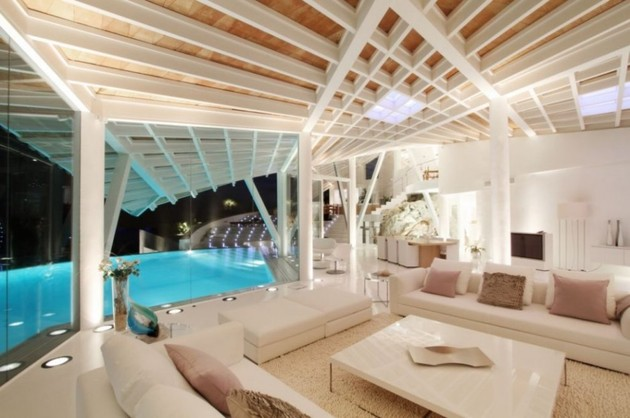bird-house-in-mallorca-with-wings-and-luxury-decks-12.jpg