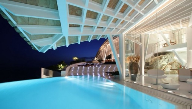 bird-house-in-mallorca-with-wings-and-luxury-decks-13.jpg