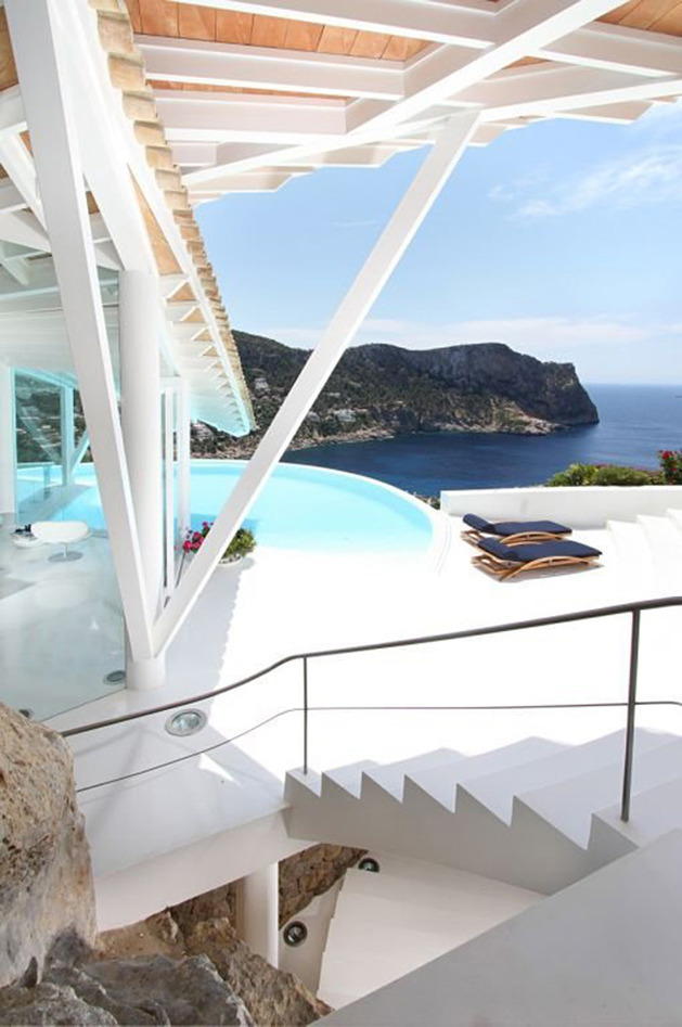 bird-house-in-mallorca-with-wings-and-luxury-decks-7.jpg