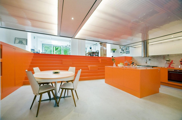 netherlands-house-with-dugout-level-and-floating-lightbox-inside-8.jpg