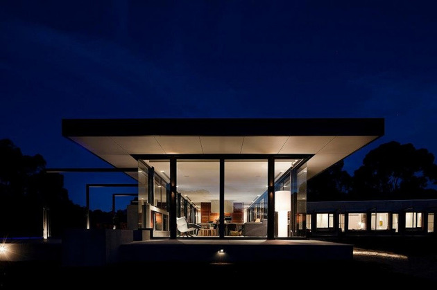 sustainable-house-with-three-wings-that-engage-the-landscape-16.jpg