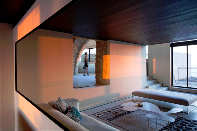 300-year-old-house-combines-authentic-and-modern-architecture-5.jpg