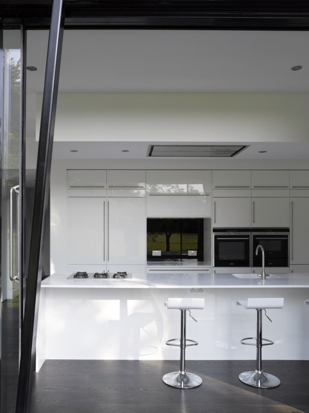 angular-lines-greyscale-color-define-british-abode-11-kitchen-straight.jpg