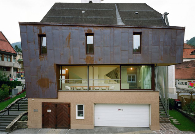 austrian house with copper exterior and slanted shape 2 thumb 630x432 14307 Austrian house with copper exterior and slanted shape