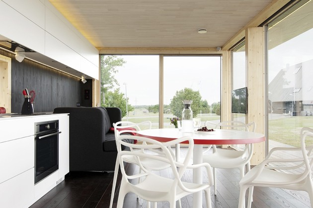 compact-addition-transforms-into-guesthouse-shed-table.jpg