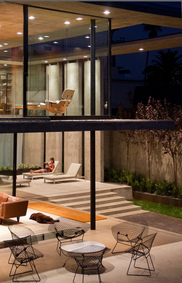 concrete-residential-architecture-designed-spacious-6-outdoor-livng.jpg