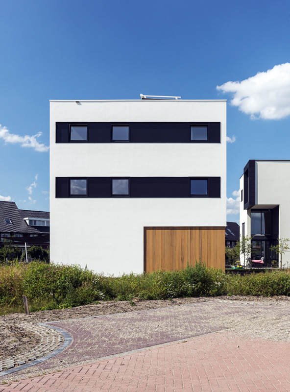 cube house 10x10x10 facade thumb 630x851 15075 Cube House 10x10x10 from Cube Island