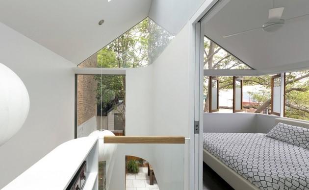 familiar-touches-modern-design-sydney-home-19-multi-room-windows.jpg