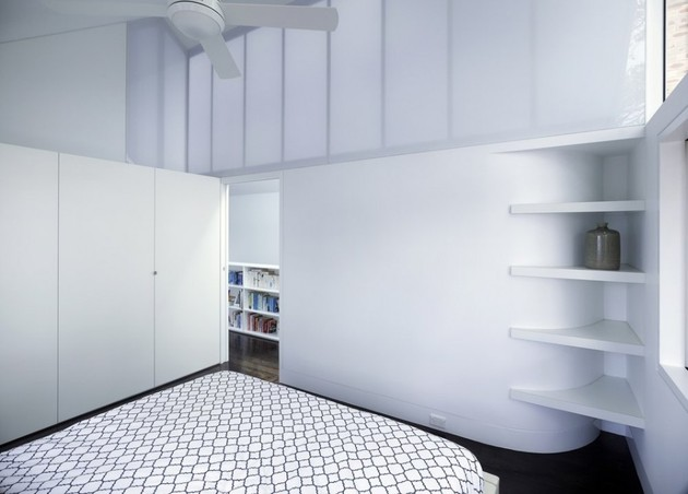 familiar-touches-modern-design-sydney-home-21-shelves.jpg