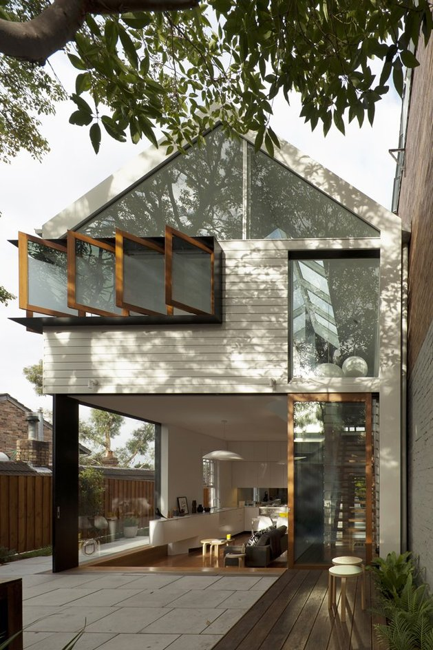 familiar-touches-modern-design-sydney-home-4-front-view-day.jpg