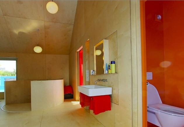 going-vertical-rooftop-village-rotterdam-bathroom.jpg
