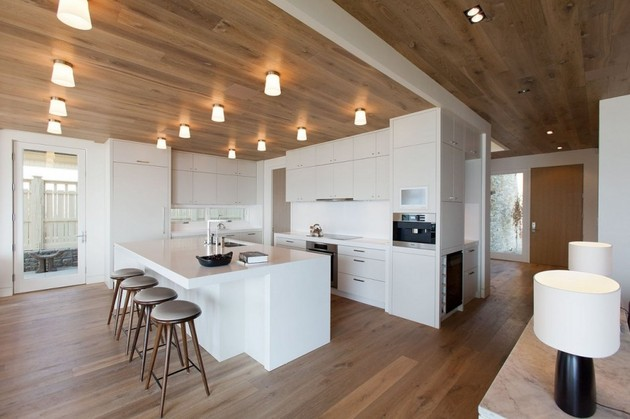 lakeside-vacation-home-combines-natural-materials-modern-living-12-hall.jpg