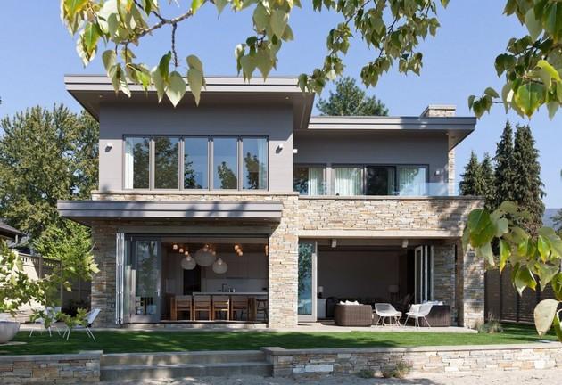 lakeside-vacation-home-combines-natural-materials-modern-living-4-backyard.jpg