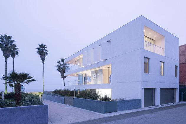local-artists-multipurpose-california-beach-home-garage.jpg