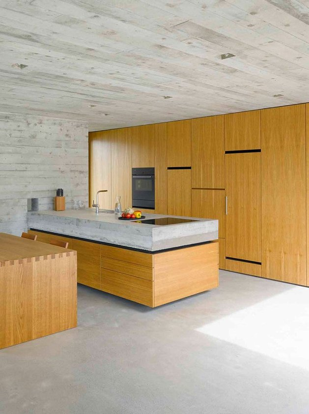 minamalist-concretehome-showcases-stunning-views-and-contemporaryliving-10-kitchen.jpg