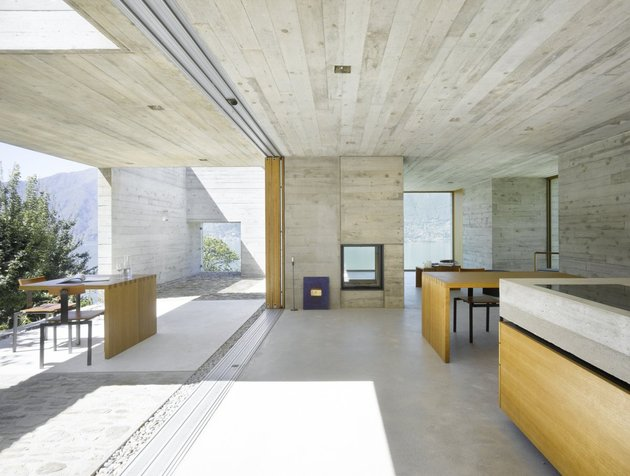 minamalist-concretehome-showcases-stunning-views-and-contemporaryliving-8-materials.jpg