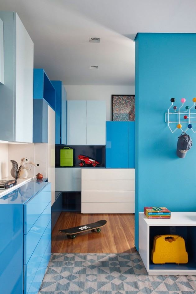 minimally-built-home-striking-public-private-spaces-25-blue-room-divider.jpg