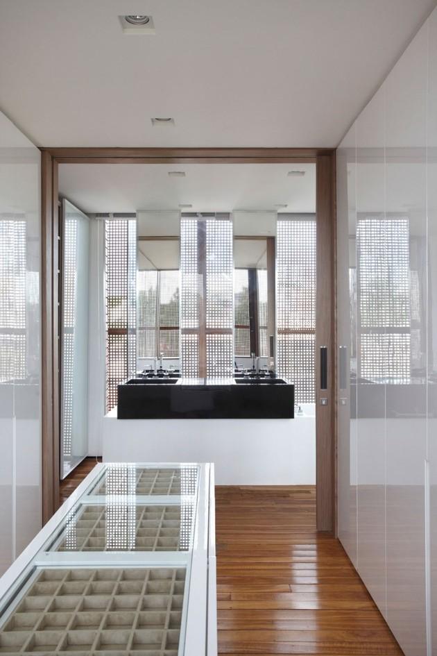minimally-built-home-striking-public-private-spaces-26-closet-bathroom.jpg