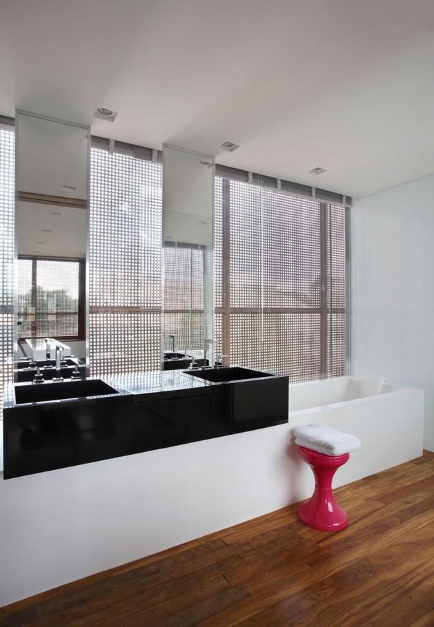 minimally-built-home-striking-public-private-spaces-28-bathroom.jpg