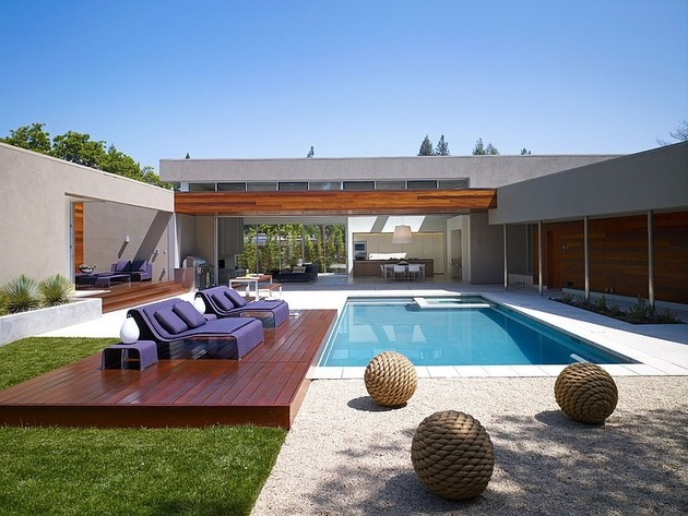 moden u shaped residence with central patio 1 thumb 630x473 17490 Modern U Shaped California Home with Central Patio