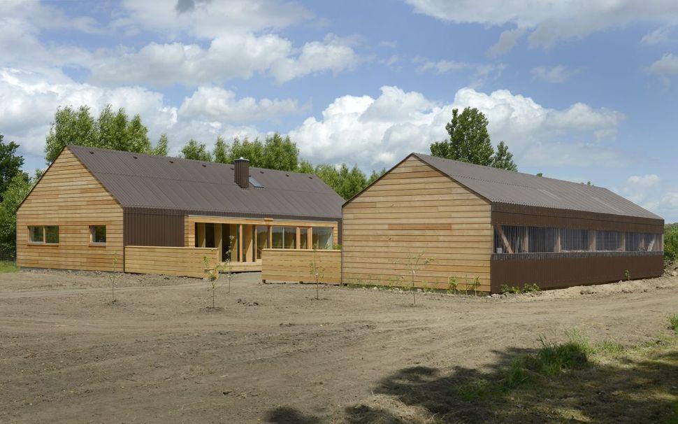 Open concept timber frame farmhouse for Modern open concept house plans