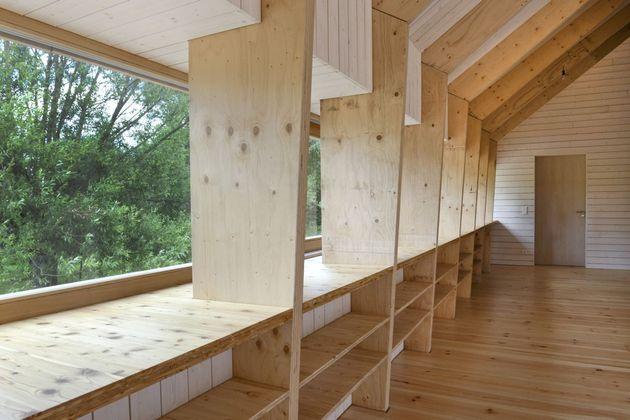 modern-open-concept-homestead-centralcourtyard-germany-3-windowsill.jpg