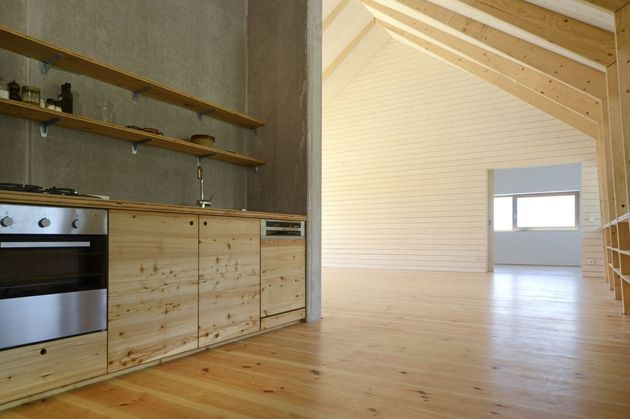 modern-open-concept-homestead-centralcourtyard-germany-4-kitchen.jpg