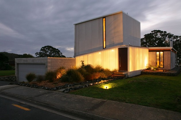 modern-suburban-lake-house-designed-private-beachside-living-3-street.jpg