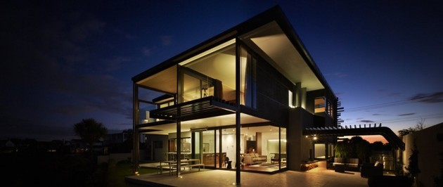 modern-wood-panel-house-on-bay-front-cliff-10.jpg