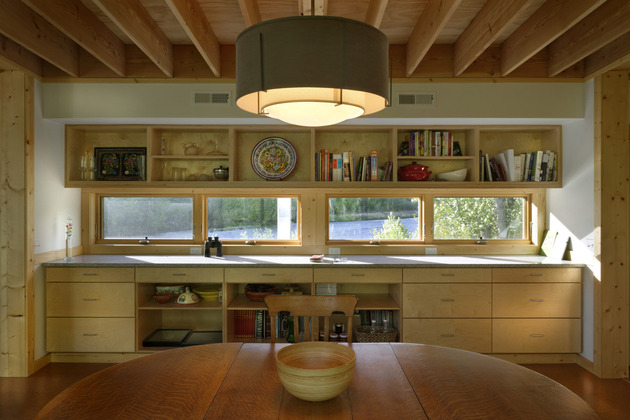 river-place-home -trusses-cantilever-both-ends-10-kitchen.jpg