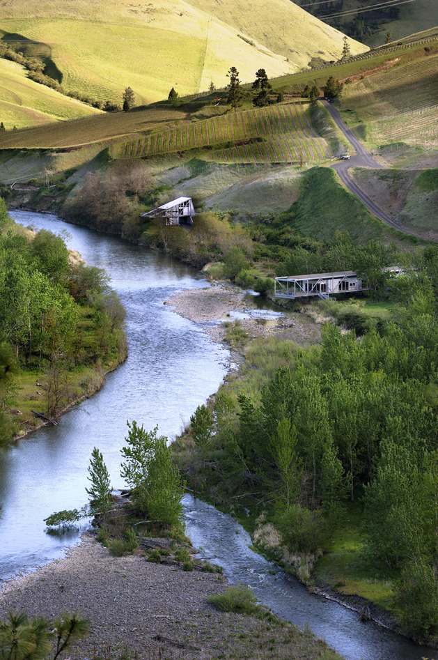 river-place-home -trusses-cantilever-both-ends-12-aerial.jpg